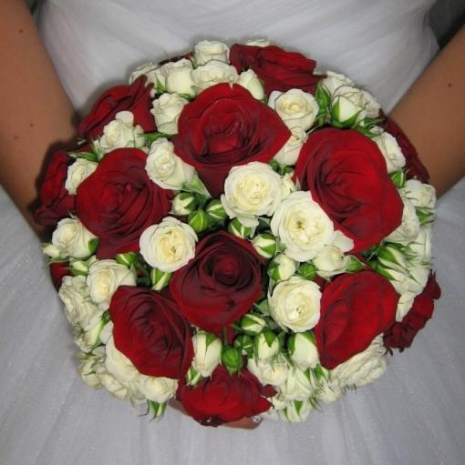 Букет невесте на свадьбу из роз фото